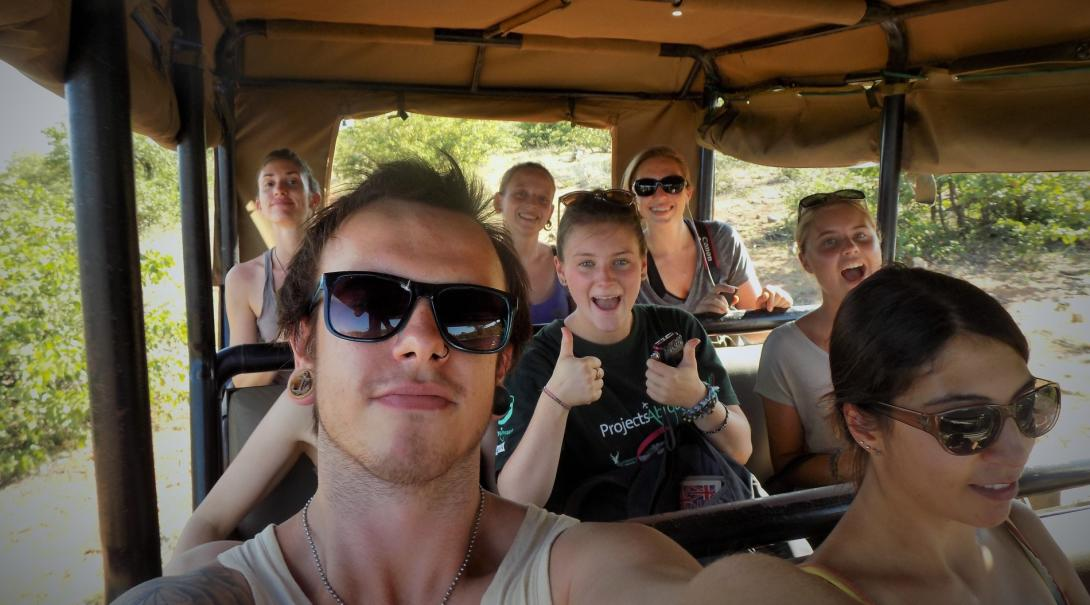On a responsible volunteer travel project, a group of volunteers drive to their conservation placement.